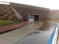 Vieeel Wasser auf der Straße (das ist das neue Straßenkreuz Gotera)